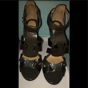 Pre-Owned L.A.M.B. Dark Grey-Brown Color Sandals